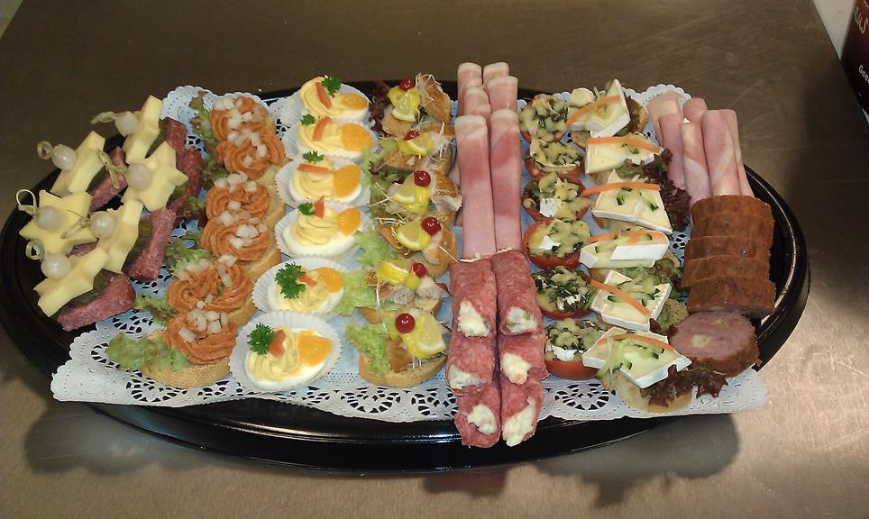 Impressie foto 39 s van kc catering leveringen en partijen op locatiekc catering - Buffet jaar ...